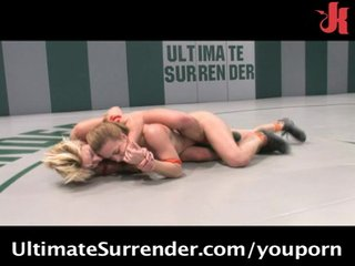 Catfighting Naked Sexual video: Vendetta & Kirra catfighting naked!