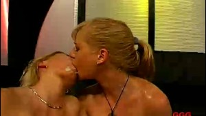 German Lesbians Bukkake Orgy
