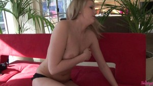 Hot Pussy Play With Danielle