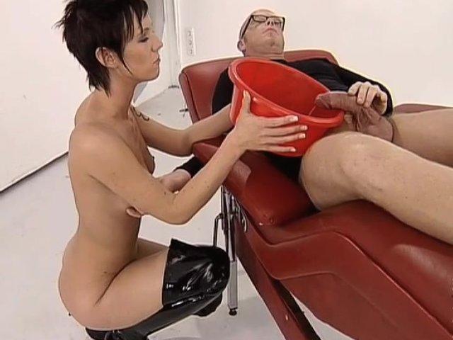 pissing dominatrix