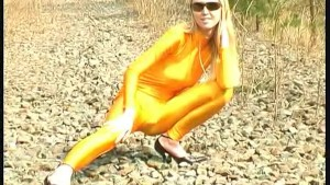 Katherina in yellow spandex in nature