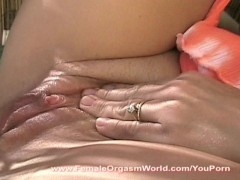 "MILFs incredible ""clit hopping"" orgasm"