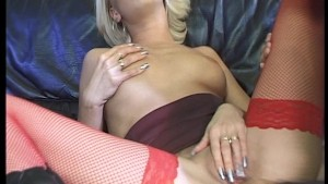Sexy blonde loves getting licked