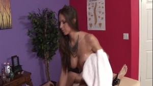 Rachel Roxxx gives a Happy Ending Massage