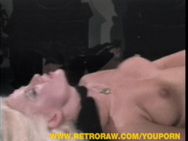 Classic blonde pussy getting fucked