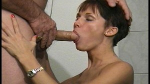 Gentlemens Video – Sexy girl makes older man happy