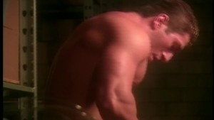 Muscleman gets fucked