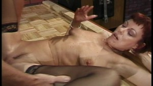 Older amateur actress auditions by giving a blowjob