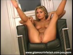 - Big boob glamour Babe ...