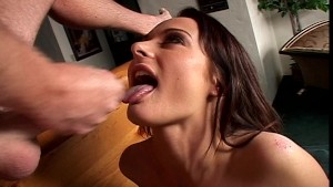 Girlfriend recieves big load on her chest