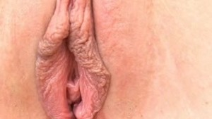 Britney s Pussy Muscles Squeezing in Close Up!
