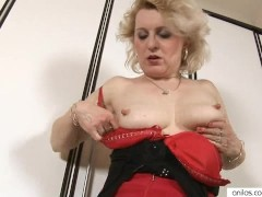 - Big Nippled Milf Mastu...