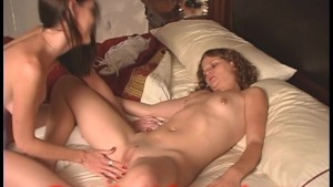 Two young housewives sneak some PUSSY!
