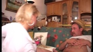 Young hottie fucks old man