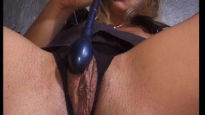 Sexy MILF cums for the camera (clip)