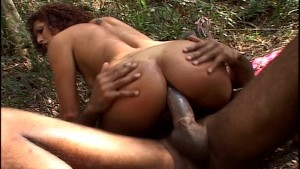 Sexy couple go wild out in the wilds (CLIP)