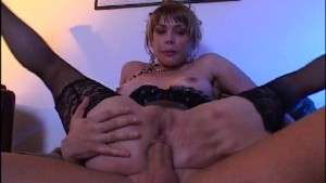 Shoots his load on her puckering asshole