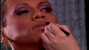 How to apply your lipstick