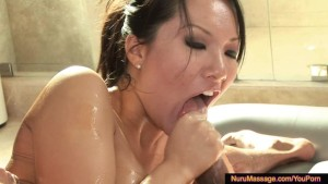 Hot asian slut blows wet and slippery cock in bathtub