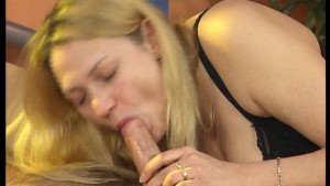 This gal loves to be tity fucked