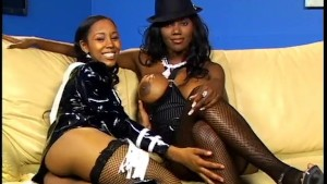 Black Girls Licking Toes And Pussy