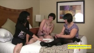 Chubby amateurs playing sex games
