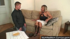 Hot mom gets nailed and busted by man's wife