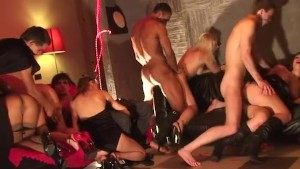 Crazy Girls dance naked and start an orgy
