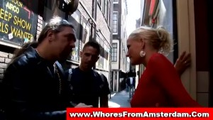 Blonde dutch prostitute sucks customer