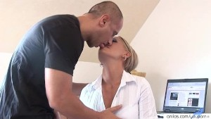 Busty housewife Vivien hardcore anal