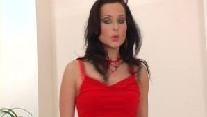Red Hot Helena - GlamourGirls