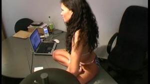 Flexi american office girl (clip)