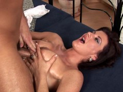 Super hot MILF gets titfucked