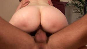 Evelyn's hairy mature snatch banged