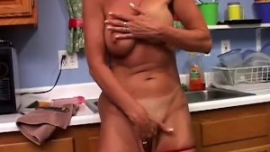 Sexy MILF Vanessa Videl