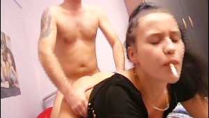 German chick smokes throughout sex