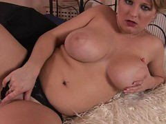 Chubby amateur Ruby plays with dildo - CzechSuperStars