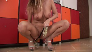 Sindy solo in heels - CzechSuperStars