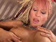 Mature Regina loves to fuck herself - CzechSuperStars