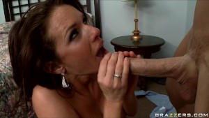 MATURE BIG TIT MILF WIFE PORNSTAR CHEATS WITH BIG