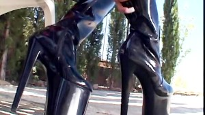Thigh high boot sex with a kinky brunette