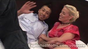 Blonde Milf Squirts getting Fucked