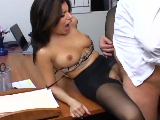 Интересно секс видео офис
