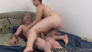 FAT TEEN FUCKS WITH OLD GUY !!