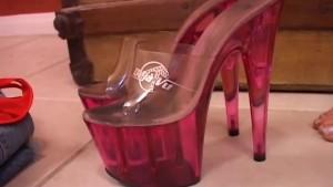 Busty MILF loves high heels