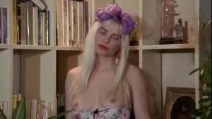 Ilona Staller sex scene from Ho scopato un aliena