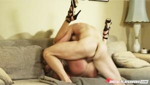 Sexy young big-boob girlfriend Riley Steele fucks boyfriend's dick