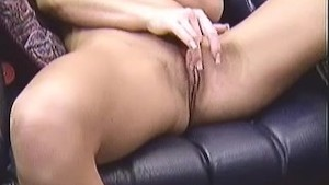 Tera love jerking off at the couch