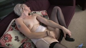 Hairy mature moms gets naughty
