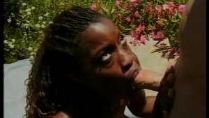 Ebony Babe Fucking and Sucking Outdoors - Nasty Pictures